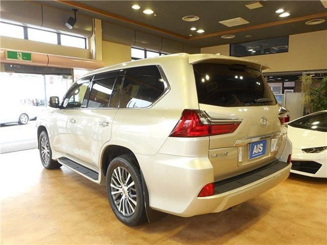 1182 - LEXUS 5.7 AT SUV GOLD