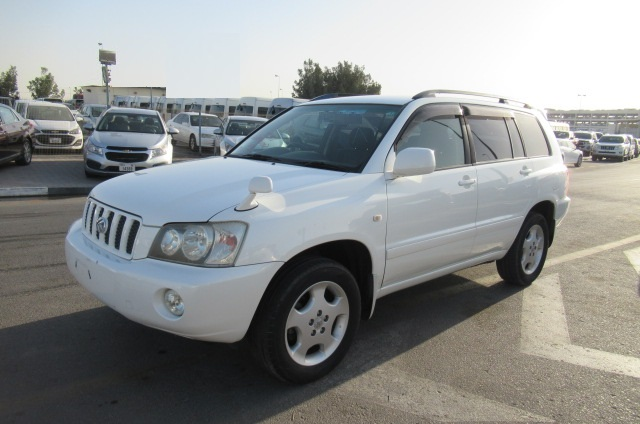 7644-TOYOTA KLUGER JEEP 2.4 AT WHITE