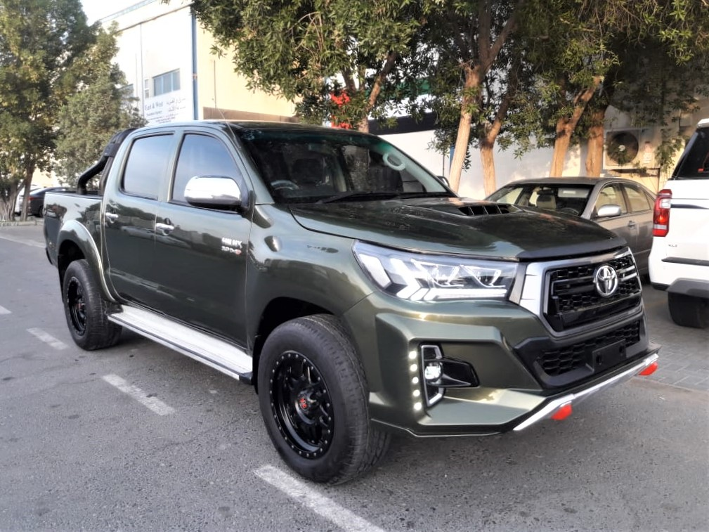 9511-TOYOTA HILUX PICKUP 3.0 AT GREEN