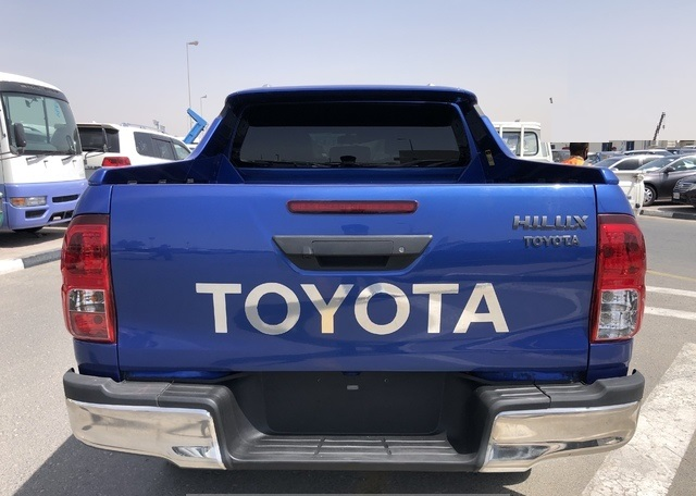 5576-TOYOTA HILUX 2.8 AT PICK UP BLUE