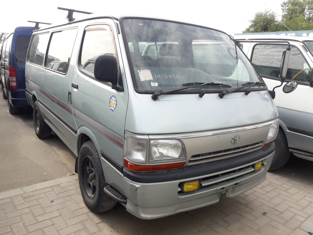 2577 - Toyota hiace 2.8 AT Van Green